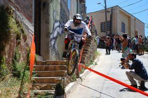 Valparaíso Cerro Abajo- Fahrradsprung