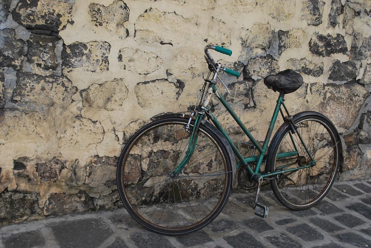 bicycle-1627677_1920-min-min