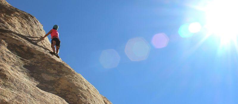 F_climber-984380_1920